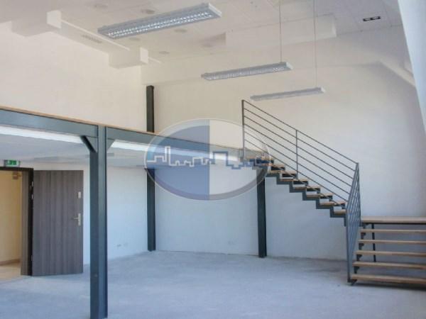 Obiekt komercyjny na wynajem o pow. 360 m2